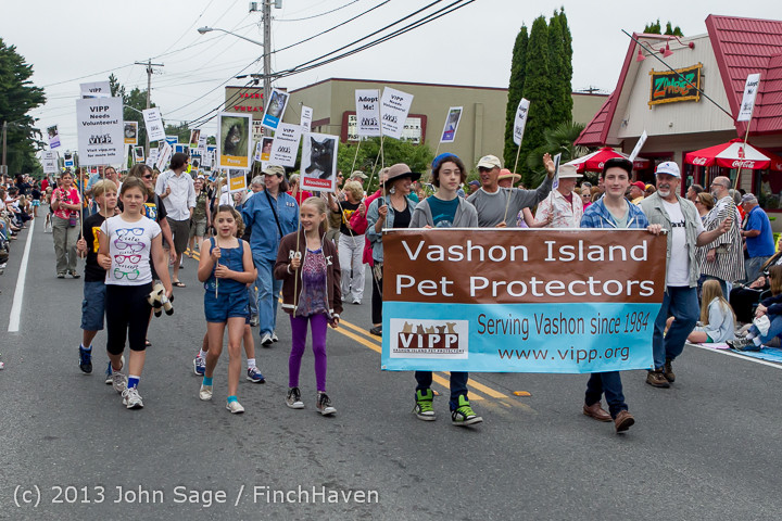 5592 Vashon Strawberry Festival Grand Parade 2013 072013