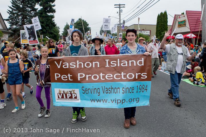 5595 Vashon Strawberry Festival Grand Parade 2013 072013