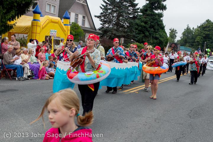 5630 Vashon Strawberry Festival Grand Parade 2013 072013