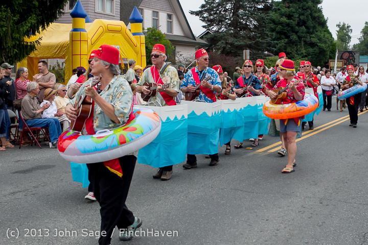 5631 Vashon Strawberry Festival Grand Parade 2013 072013