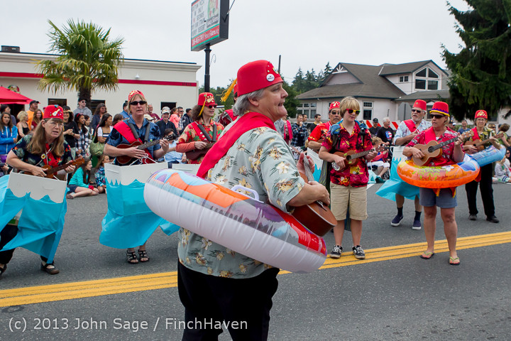5647 Vashon Strawberry Festival Grand Parade 2013 072013