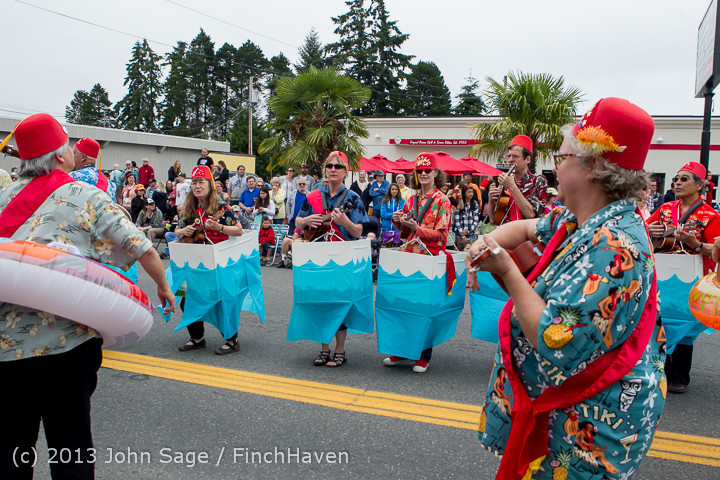 5652 Vashon Strawberry Festival Grand Parade 2013 072013