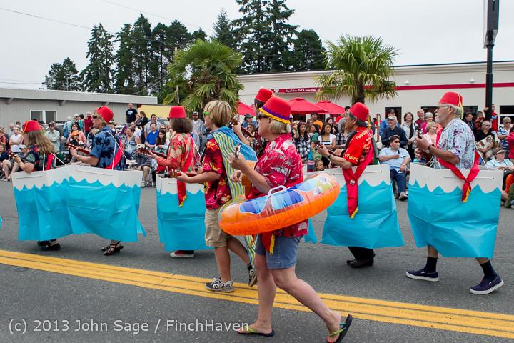 5654 Vashon Strawberry Festival Grand Parade 2013 072013