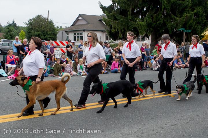 5659 Vashon Strawberry Festival Grand Parade 2013 072013