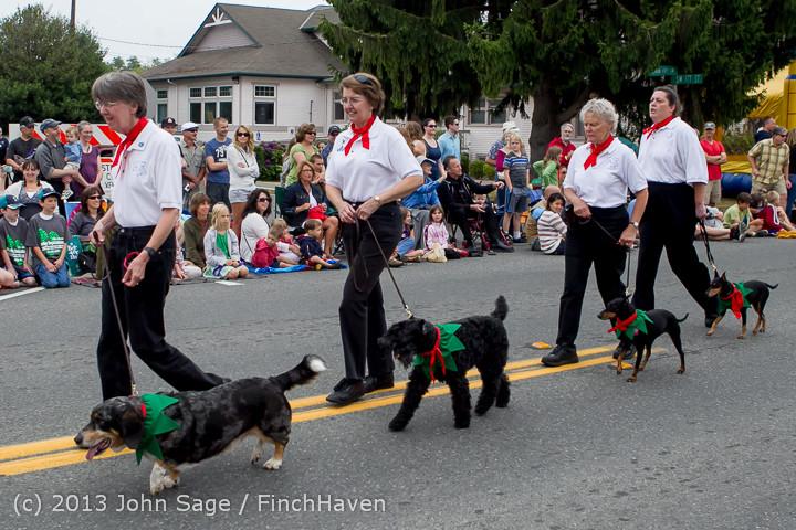 5662 Vashon Strawberry Festival Grand Parade 2013 072013