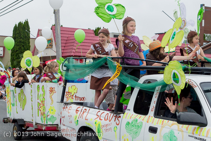 5675 Vashon Strawberry Festival Grand Parade 2013 072013