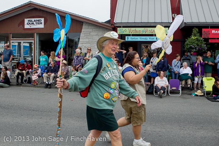 5686 Vashon Strawberry Festival Grand Parade 2013 072013