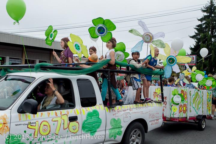 5696 Vashon Strawberry Festival Grand Parade 2013 072013