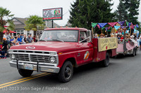 5697 Vashon Strawberry Festival Grand Parade 2013 072013