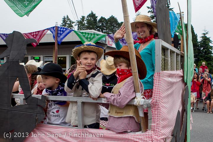 5713 Vashon Strawberry Festival Grand Parade 2013 072013