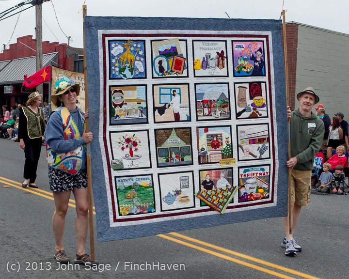 5757 Vashon Strawberry Festival Grand Parade 2013 072013