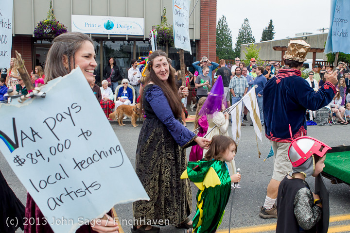 5786 Vashon Strawberry Festival Grand Parade 2013 072013