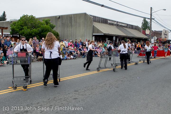 5826 Vashon Strawberry Festival Grand Parade 2013 072013