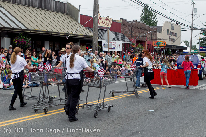 5830 Vashon Strawberry Festival Grand Parade 2013 072013