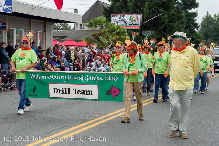 5893 Vashon Strawberry Festival Grand Parade 2013 072013