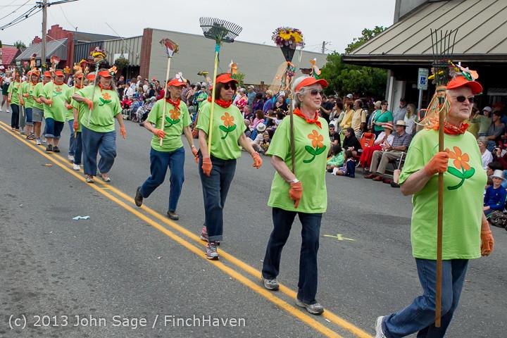 5907 Vashon Strawberry Festival Grand Parade 2013 072013