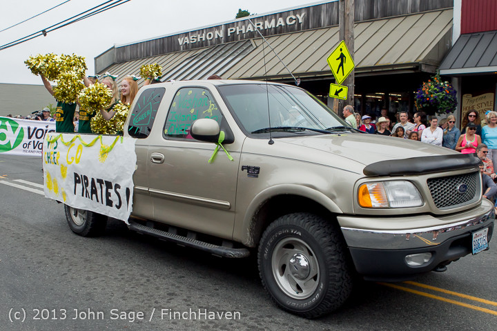 5956 Vashon Strawberry Festival Grand Parade 2013 072013