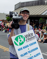 5967 Vashon Strawberry Festival Grand Parade 2013 072013