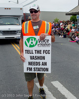 5971 Vashon Strawberry Festival Grand Parade 2013 072013