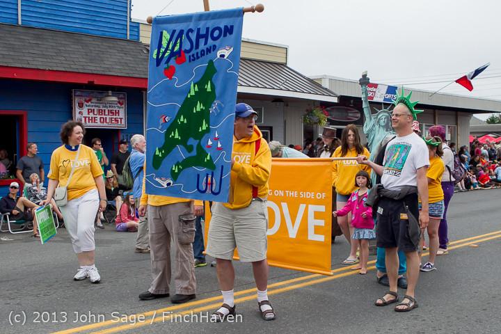 5996 Vashon Strawberry Festival Grand Parade 2013 072013