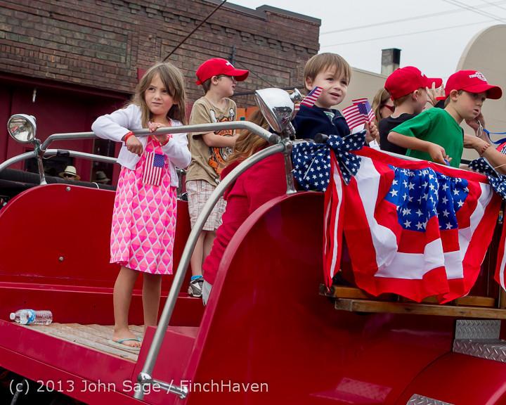 6040 Vashon Strawberry Festival Grand Parade 2013 072013