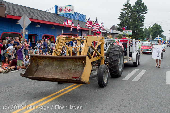 6124 Vashon Strawberry Festival Grand Parade 2013 072013