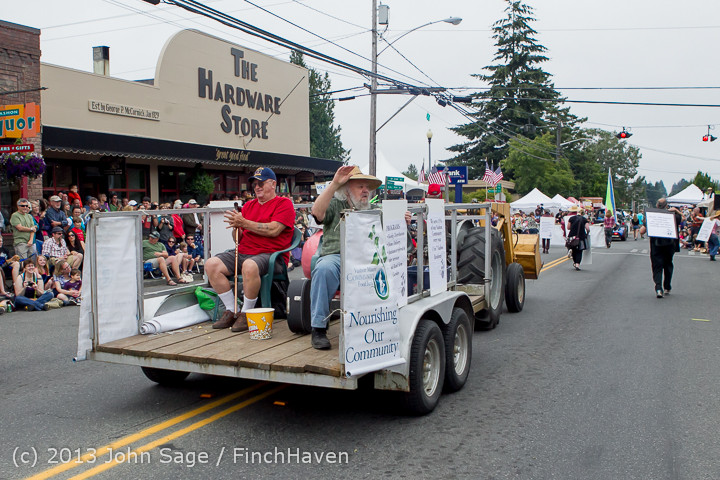 6134 Vashon Strawberry Festival Grand Parade 2013 072013