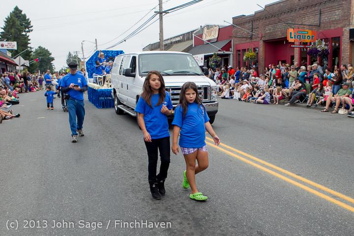 6168 Vashon Strawberry Festival Grand Parade 2013 072013