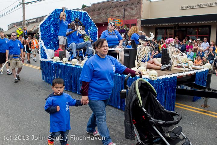 6176 Vashon Strawberry Festival Grand Parade 2013 072013