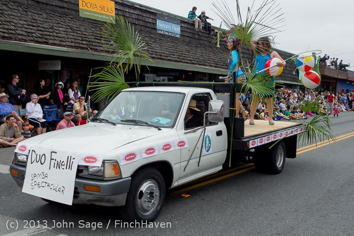 6208 Vashon Strawberry Festival Grand Parade 2013 072013