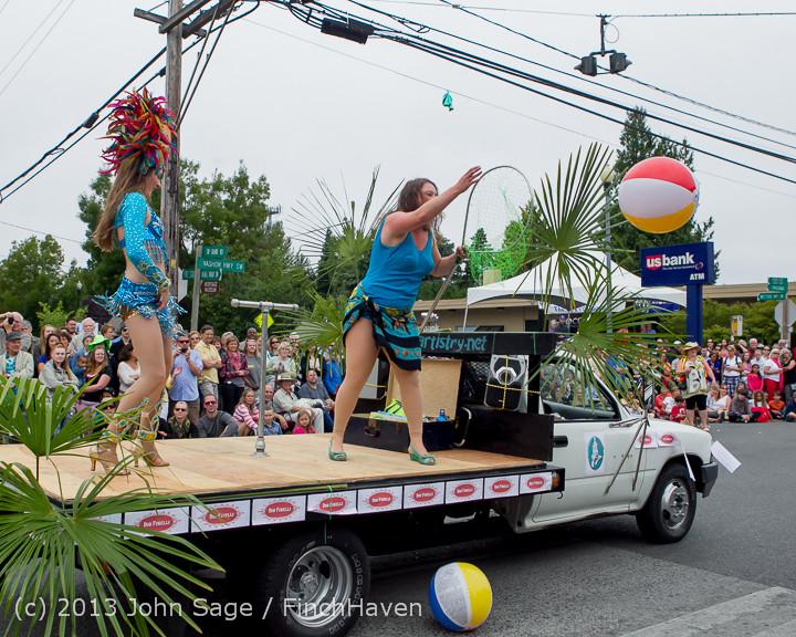 6224 Vashon Strawberry Festival Grand Parade 2013 072013