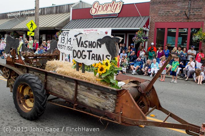 6309 Vashon Strawberry Festival Grand Parade 2013 072013