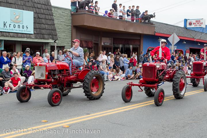 6329 Vashon Strawberry Festival Grand Parade 2013 072013