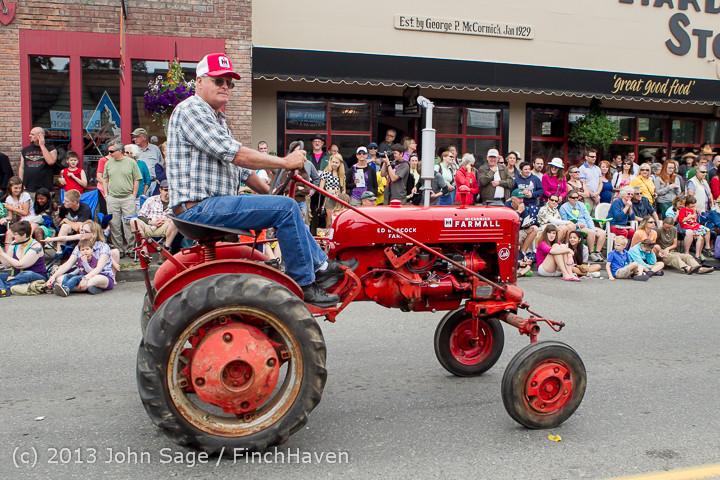6345 Vashon Strawberry Festival Grand Parade 2013 072013