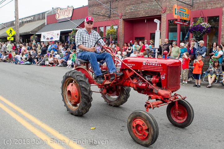 6346 Vashon Strawberry Festival Grand Parade 2013 072013