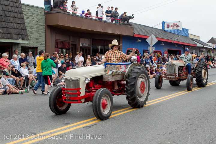 6359 Vashon Strawberry Festival Grand Parade 2013 072013
