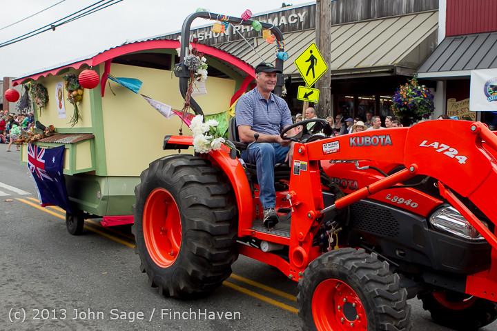 6390 Vashon Strawberry Festival Grand Parade 2013 072013