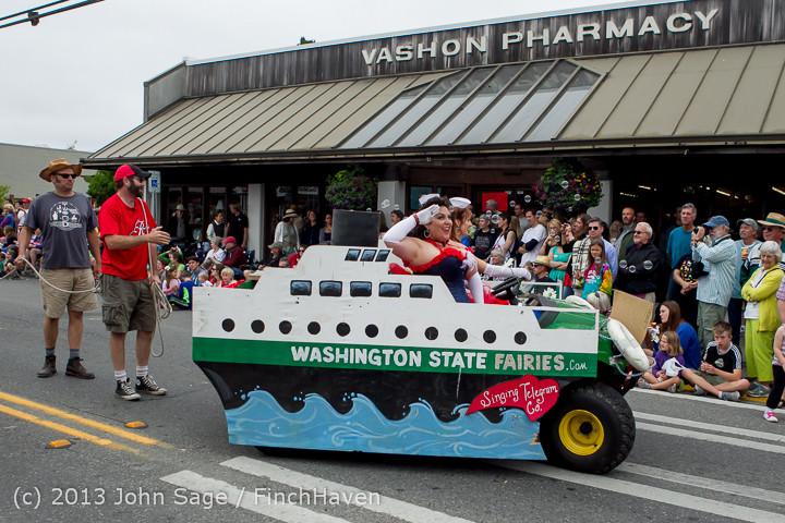 6408 Vashon Strawberry Festival Grand Parade 2013 072013