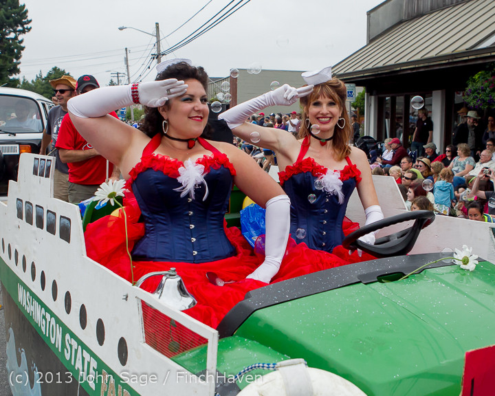 6414_Vashon_Strawberry_Festival_Grand_Parade_2013_072013