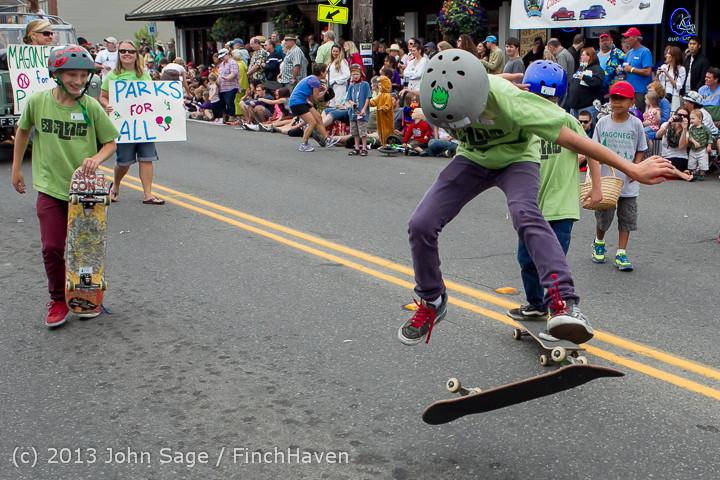 6455 Vashon Strawberry Festival Grand Parade 2013 072013