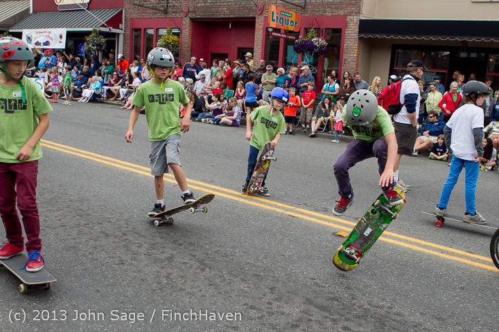 6467 Vashon Strawberry Festival Grand Parade 2013 072013