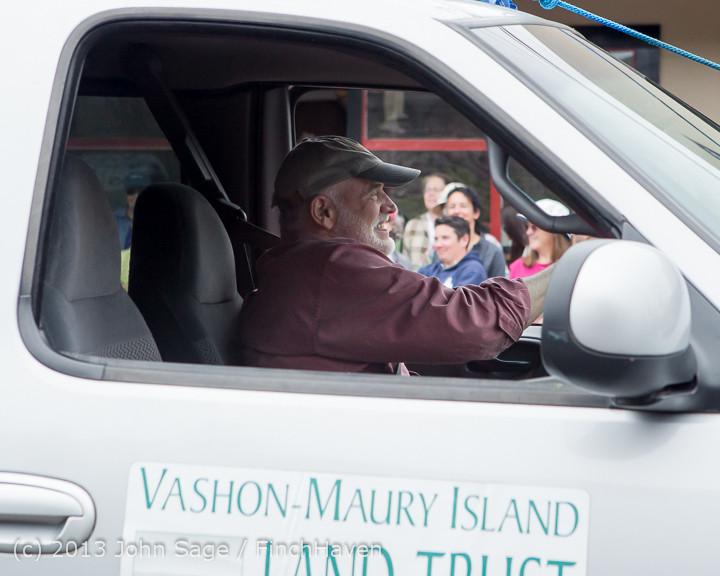 6518 Vashon Strawberry Festival Grand Parade 2013 072013