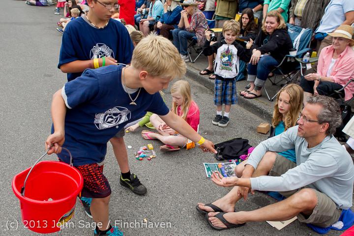 6563 Vashon Strawberry Festival Grand Parade 2013 072013