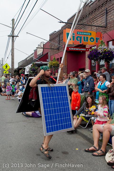6597 Vashon Strawberry Festival Grand Parade 2013 072013