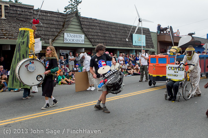 6603 Vashon Strawberry Festival Grand Parade 2013 072013