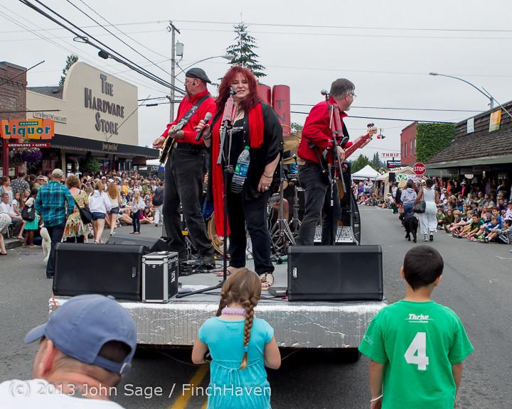 6657 Vashon Strawberry Festival Grand Parade 2013 072013