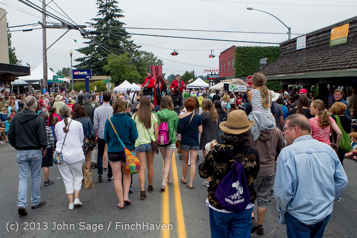 6702 Vashon Strawberry Festival Grand Parade 2013 072013