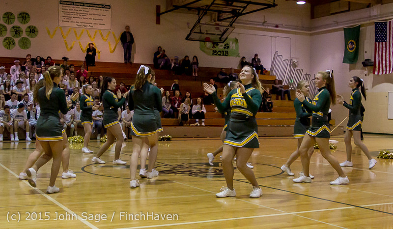16319_VIHS_Winter_Cheer_at_Halftime_BBall_v_Sea-Chr_010915