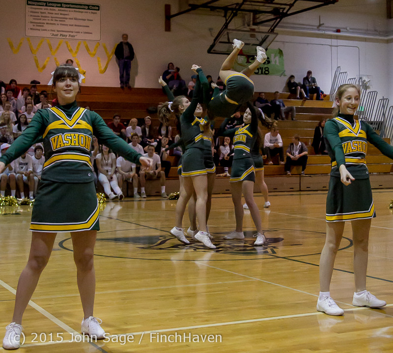 16351_VIHS_Winter_Cheer_at_Halftime_BBall_v_Sea-Chr_010915