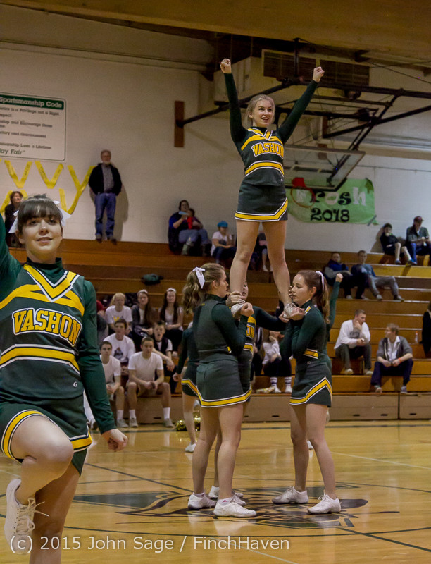 16380_VIHS_Winter_Cheer_at_Halftime_BBall_v_Sea-Chr_010915